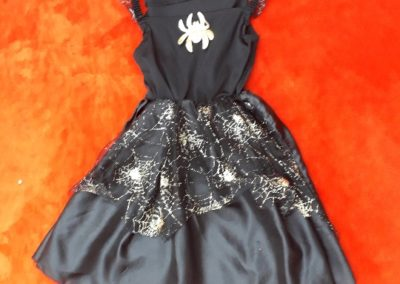 čarodějnice mrnavá černo zlatá