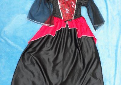 Pirátka červeno-černá, 9-12 let