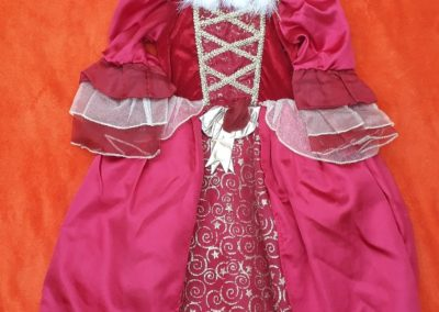 Princezna, červeno-zlatá s kožešinkou, 4-5 let